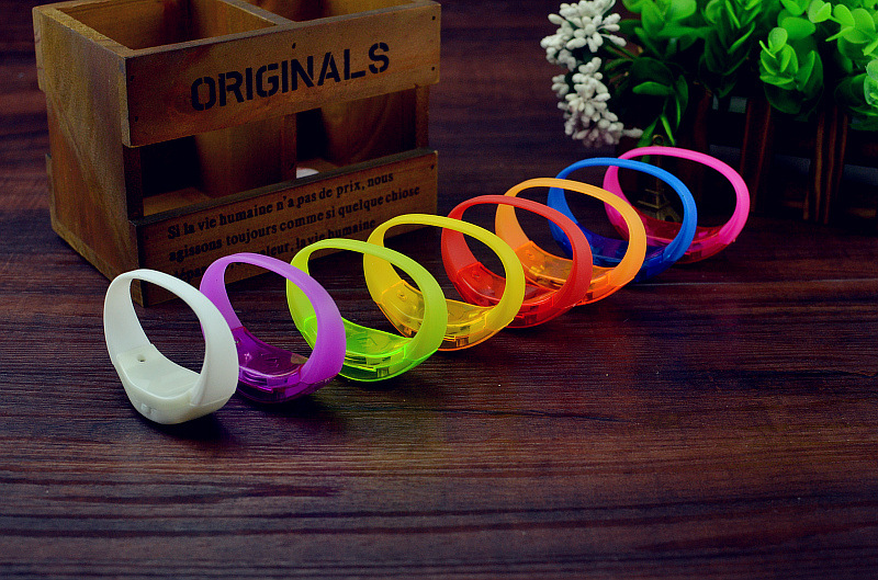 Voice Control LED Bracelet Sound Activated Glow Bracelet for Party Clubs Concerts Dancing Prom Decoration