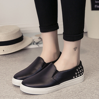 HOT 2017 Spring Rivets Women Flats Shoes Casual Slip On Round Toe Black White Loafers Vintage