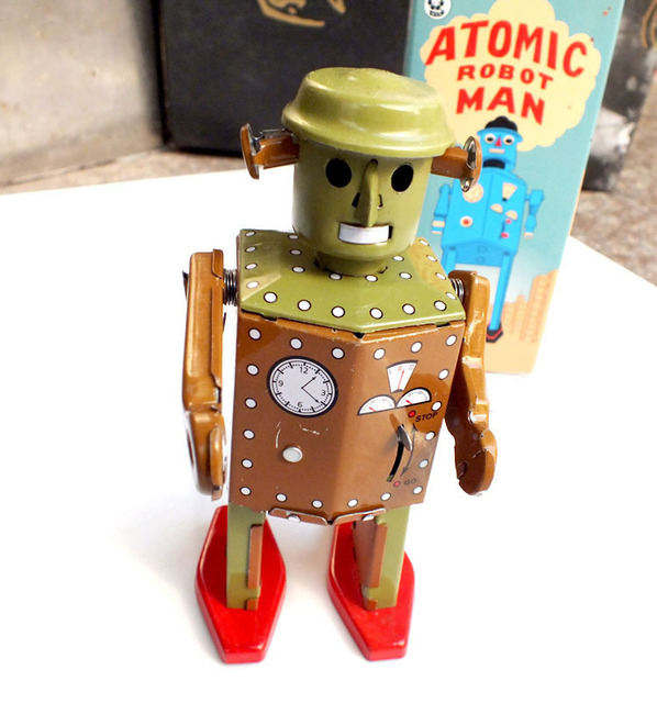 Retro Robot Wind Up Toy