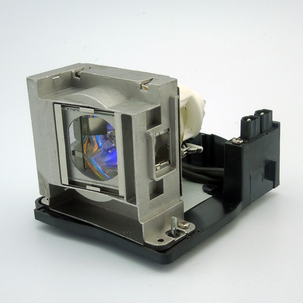 Projector Lamp VLT-XD2000LP / 915D116O06 for MITSUBISHI WD2000U, XD1000U, XD2000U,WD2000 with Japan phoenix original lamp burnerProjector Lamp VLT-XD2000LP / 915D116O06 for MITSUBISHI WD2000U, XD1000U, XD2000U,WD2000 with Japan phoenix original lamp burner