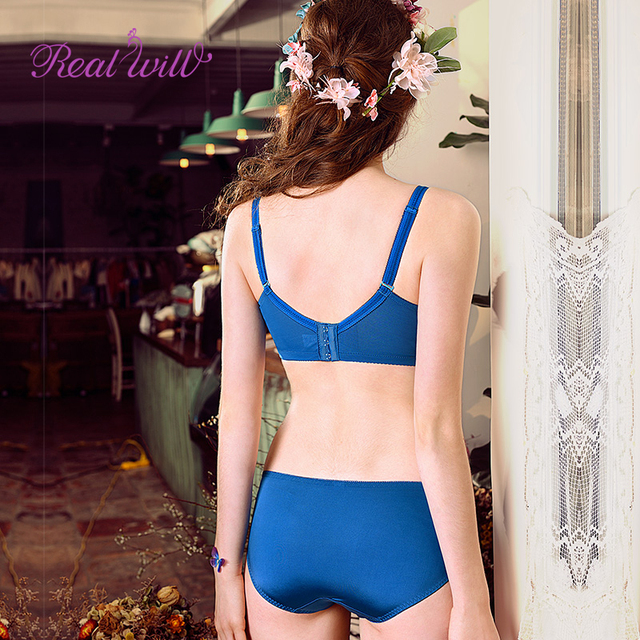 Realwill Embroidery Sweet Sexy Deep V-neck Push Up Bra Set Sexy Women Underwear Bra Brief Sets