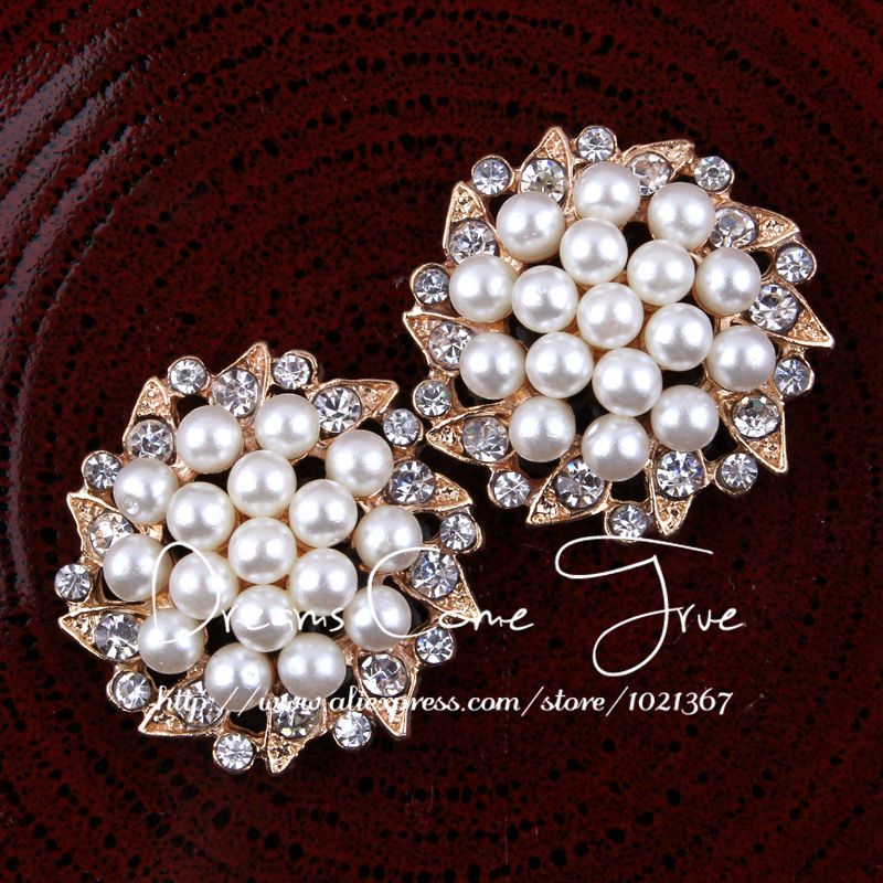 200pcs lot 30MM 2Colors Newborn Rhinestone Pearl Button For Women Brooches Chic Gear Shape Alloy Crystal