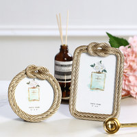 Europe Fashion Decorative Photo Frame 6 Inch Resin Picture Frame Stand And Wall Hanging Frames For Pictures