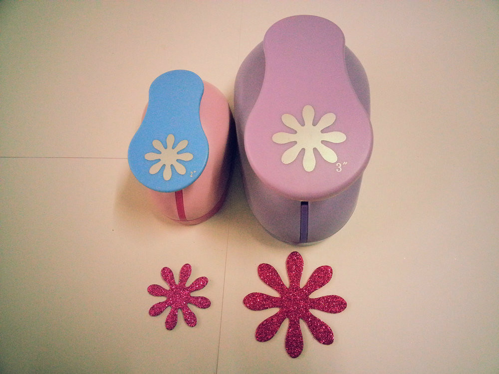 free shipping 2pcs daisy 3 inch 2 inch shape of paper cutter craft punch scrapbook punches