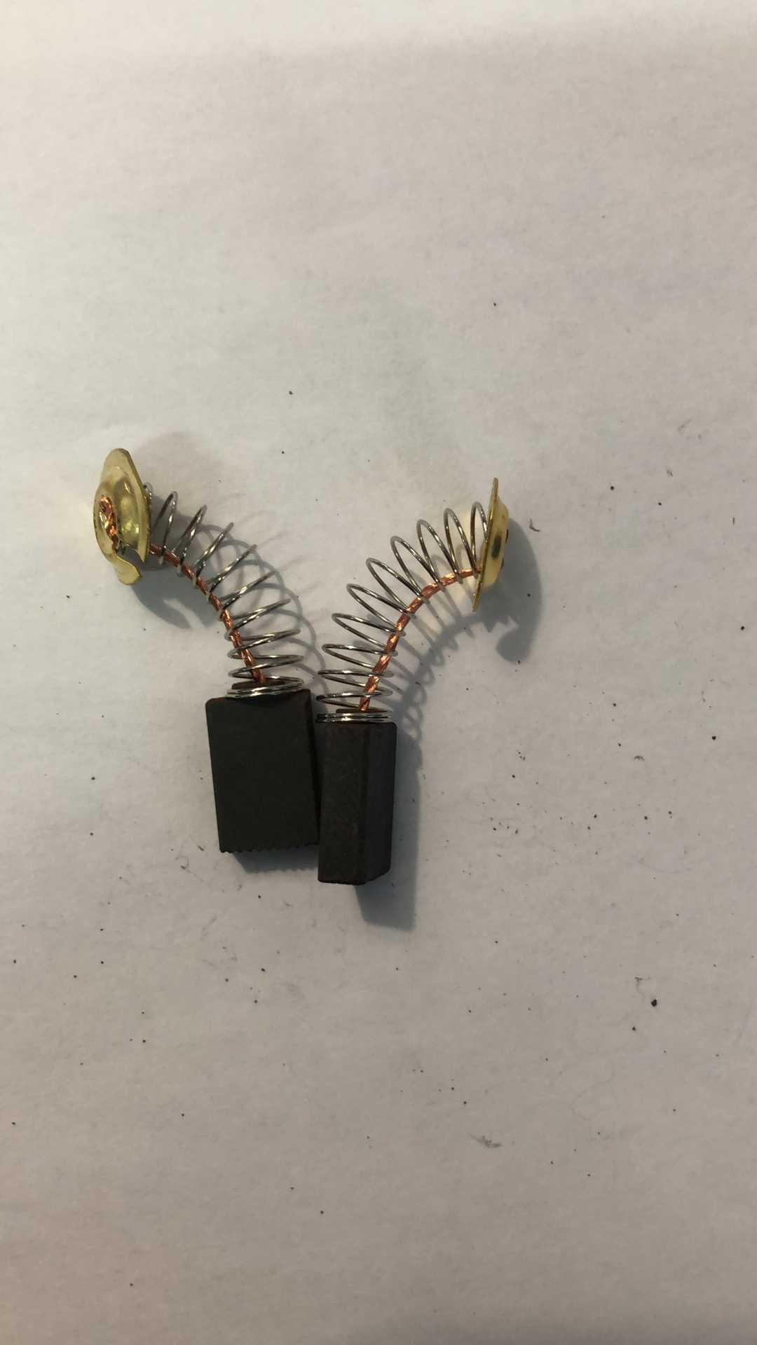"""Outil électrique pour compresseur d'air, moteur électrique 2 pièces de 5x11x18mm brosses en carbone de Graphite ressorts et fils outil électrique pour compresseur d'air 1/5 """"x 7/16"""" x 43/64"""""""