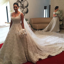 Luxury Scoop Neck Ball Gown Spaghetti Strap Beaded Pearls Flowers Vintage Wedding Dresses Royal Train Robe