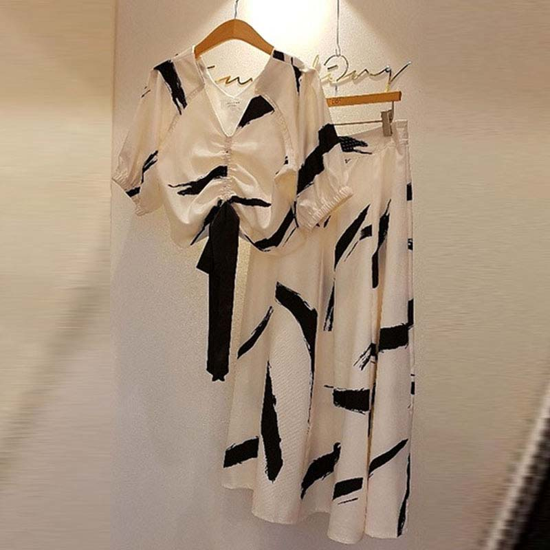 High Quality Women 2 Piece Outfit Spring 2019 Korean V-Neck Short Sleeve Print Blouse+Solid Print Long Skirts Women Sets