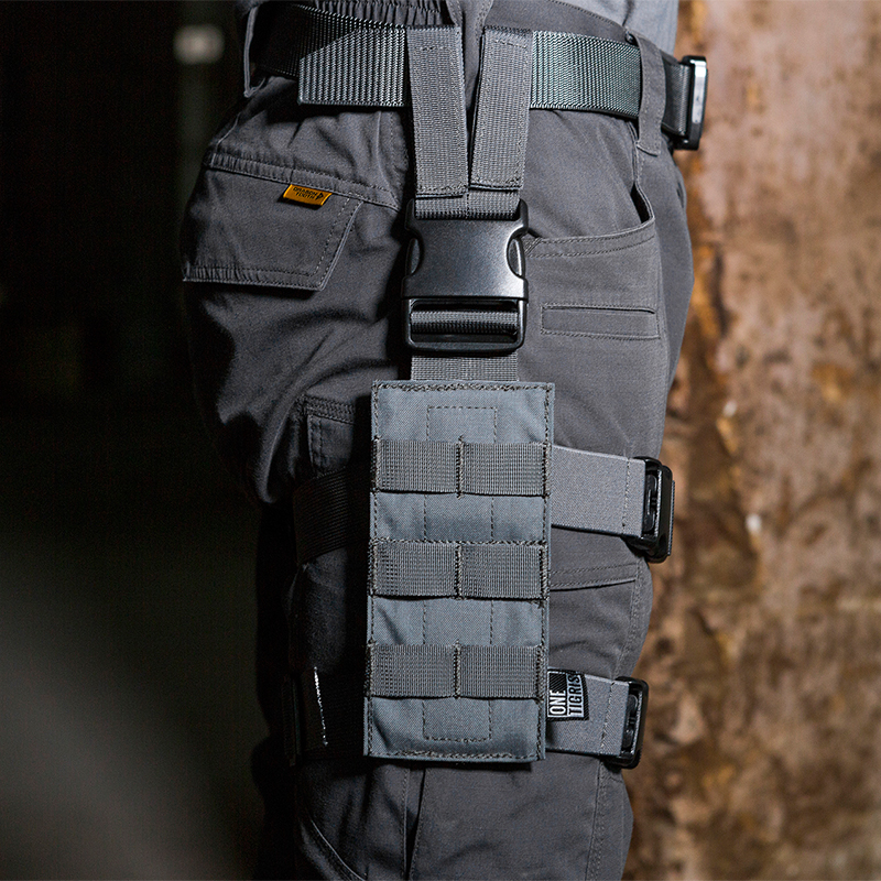 OneTigris Tactical Drop Leg Platform 1000D Nylon MOLLE Mini Leg Panel with Quick Release Buckle for Hunting/Paintball/AirsoftOneTigris Tactical Drop Leg Platform 1000D Nylon MOLLE Mini Leg Panel with Quick Release Buckle for Hunting/Paintball/Airsoft