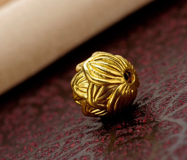 1X Authentic 24K Yellow Gold Pendant / Craved Lotus Loose bead Pendant 0.73g1X Authentic 24K Yellow Gold Pendant / Craved Lotus Loose bead Pendant 0.73g