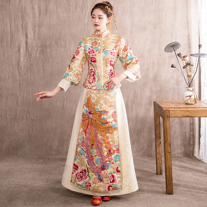 Qipao Wedding Gown: Chinese Traditional Wedding Gown Dress Cheongsam Dragon
