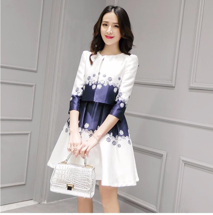 Nueva primavera verano mujeres Vestido 2 unidades 2018 Slim edición Floral  impreso plisado vestido de moda + capa para chica 6973b074d7a