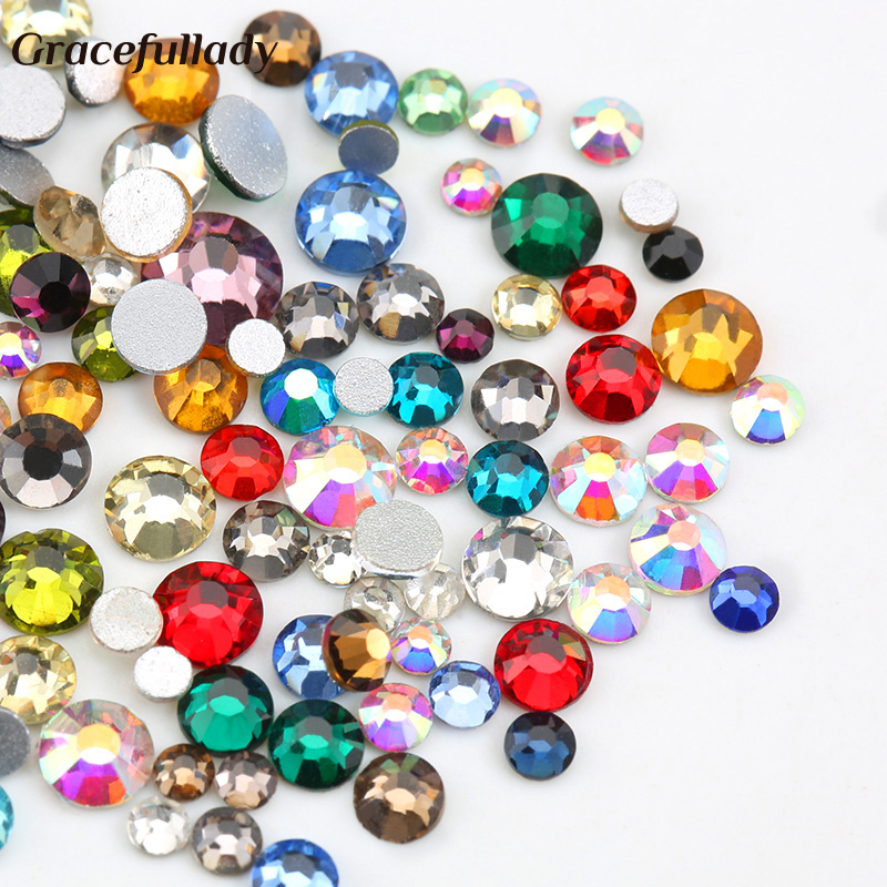 Mix Size Mix Färg 10g / pack Nail Rhinestones Crystal Glass Flatback Rhinestones För Nails Art 3D Charm Decoration