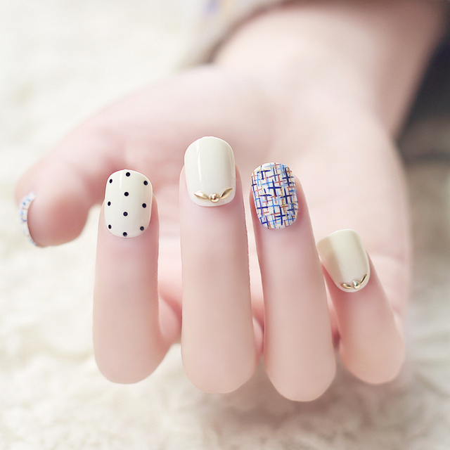 Japanese style super cute cream color false nails kit with rivet ...