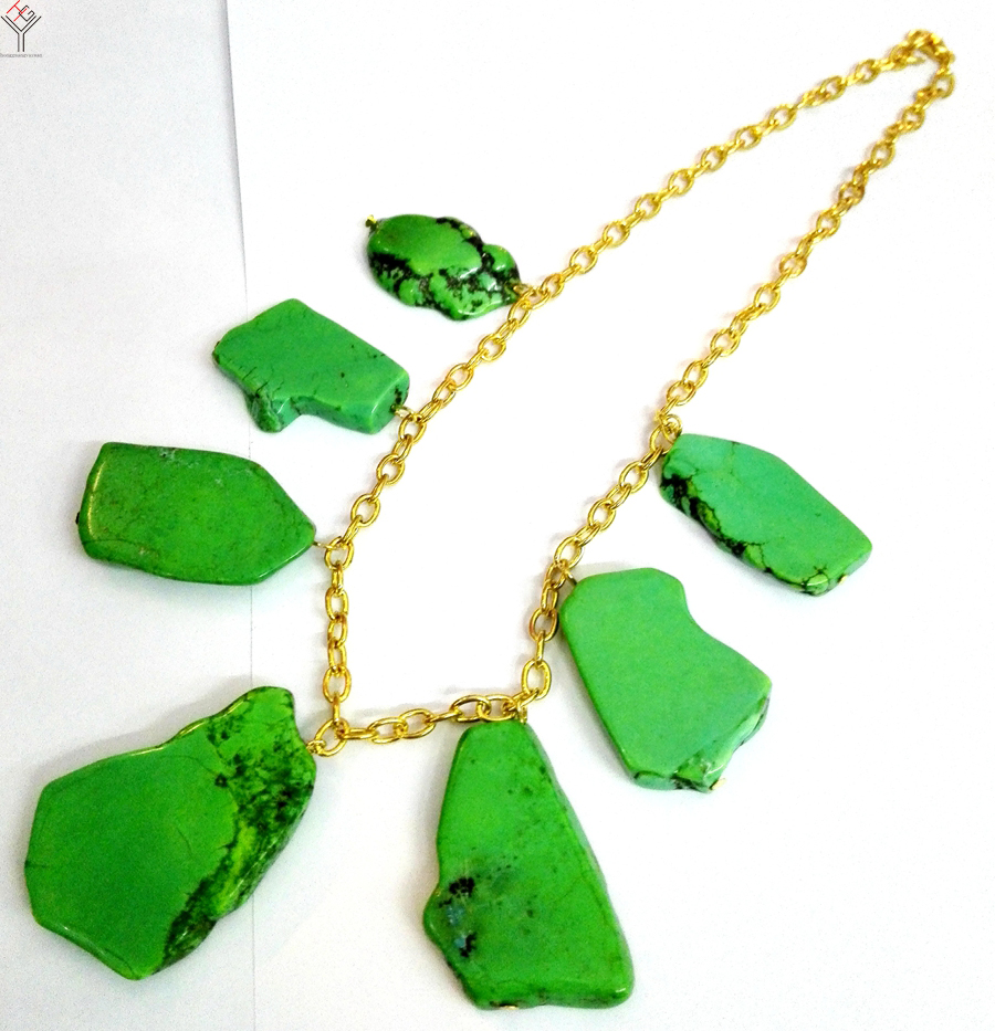 reverie silvertone with stone en green necklaces pendants anju products circle pendant necklace