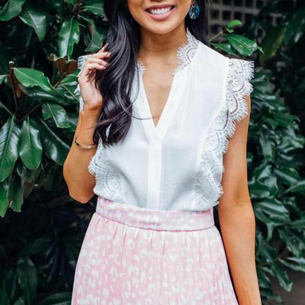 Yaz giysileri bayanlar beyaz dantel bayan üstleri ve bluzlar kolsuz V boyun gömlek seksi tunik bluz kapalı omuz üst Streetwear