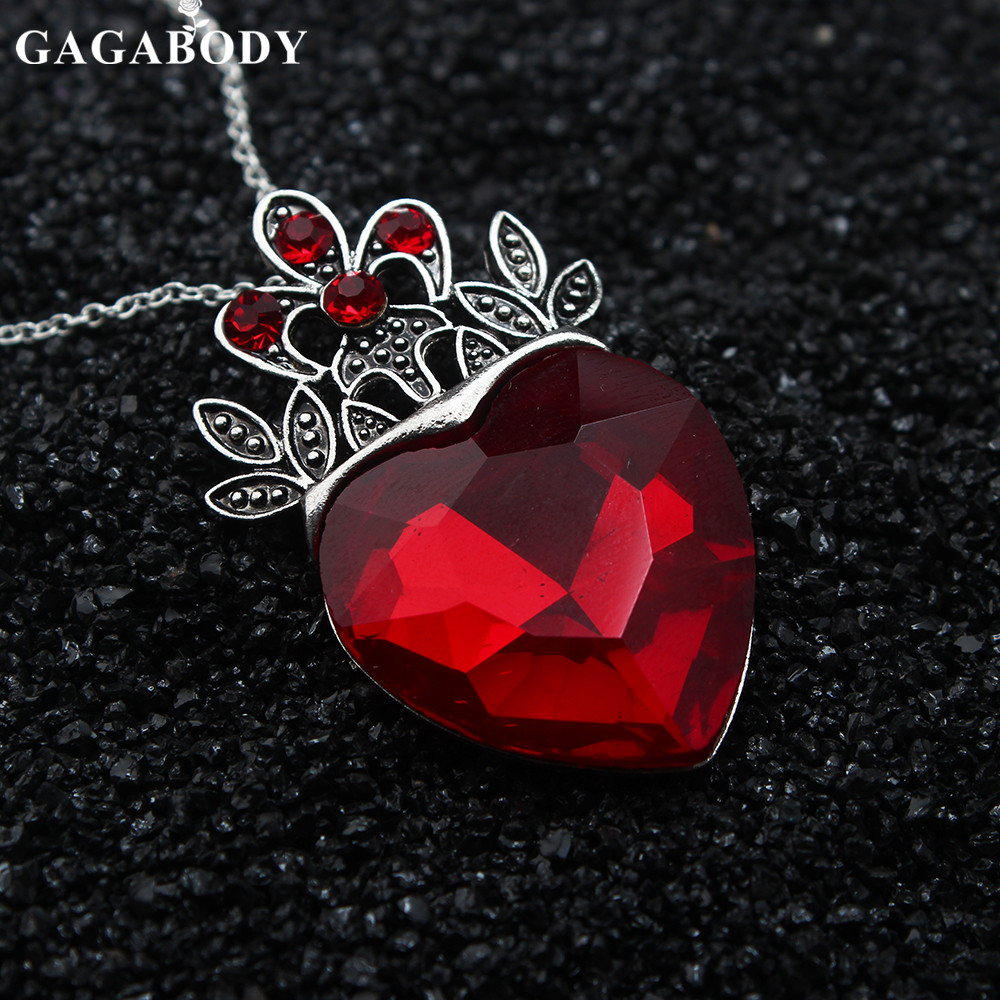 5e0571b740c Valentine s Day Evie Necklace Descendants Red Heart Crown Necklace Queen of  Hearts Costume Fan Jewelry Pre Teen Gift for Her-in Pendant Necklaces from  ...