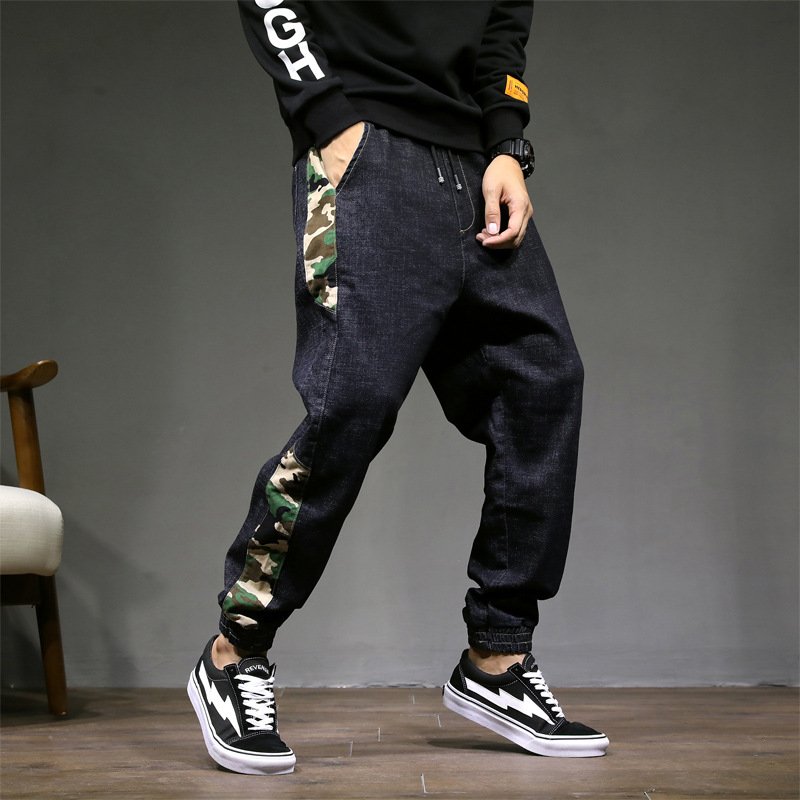 Fashion Streetwear Men Jeans Loose Fit Cargo Pants Camouflage Patch Design Military Tapered Trousers Hip Hop Jogger Jeans Homme