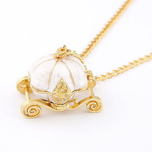 F&U Gold Color Sweet Pumpkin Carriage Necklace Cinderella Fairy Tale God-Mother Magic Alloy Chains Exquisite Pendants Necklace