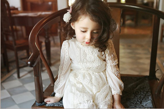 Дети девушки одеваются Весна Лето Принцесса Кружева девочек платье для партии Качество Корейский стиль Детская одежда для девочек в возрасте 2-8 Лет