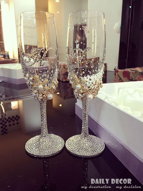 Personalized High quality luxury no lead rhinestone champagne cup bride and groom wedding wine glass wedding gift free shipping