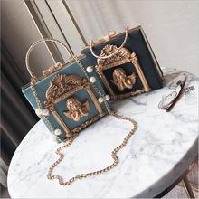 ff257203c0119 Metall Tote Tasche Barock Engel Frauen Kleine Handtaschen Luxus PU leder Schulter  Taschen Damen Vintage Ketten
