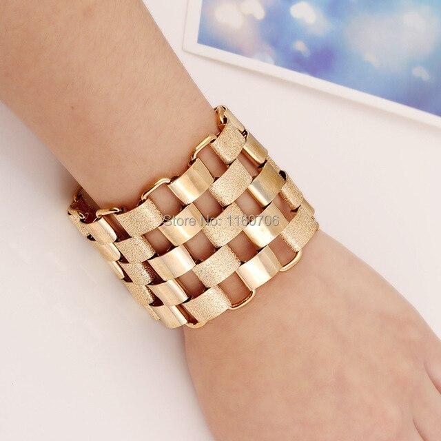 KMVEXO 2017 New Fashion Designer Bijoux Bracelets For Women Accessories  Gold Alloy Cuff Bangles Statement Jewelry c40f1c863bcb