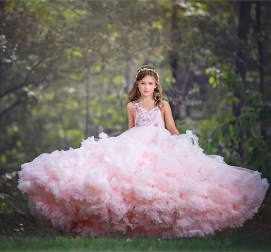 Gorgeous Fluffy Girls Pageant Dresses Applique Beaded Backless Ball Gown Flower Girls Dress Cloud Cascading Tiered Birthday Gown
