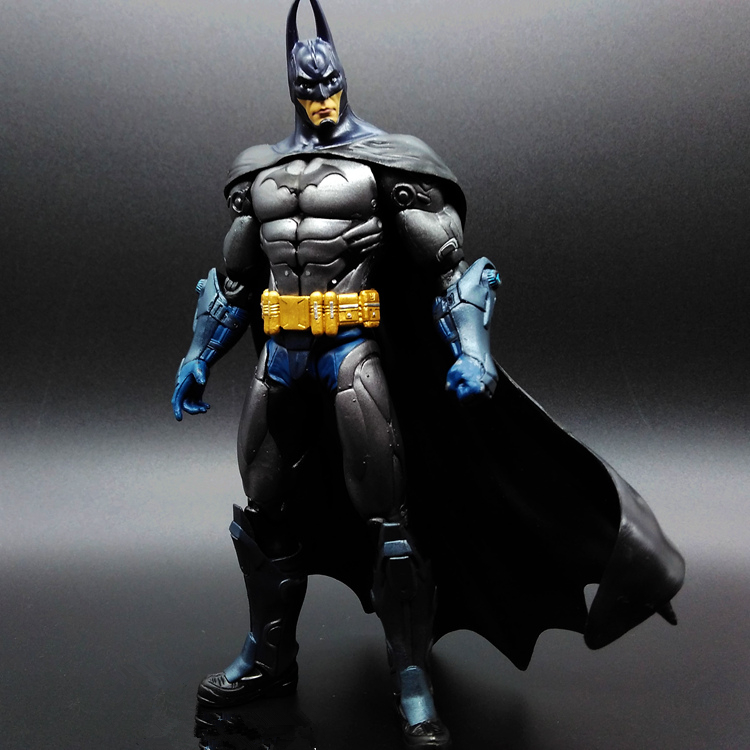 1pcs Superman V Batman Justice League Forrest Movable The Dark Knight Marvel PP BAG Rises Avengers Super Hero PVC 17cm Figure