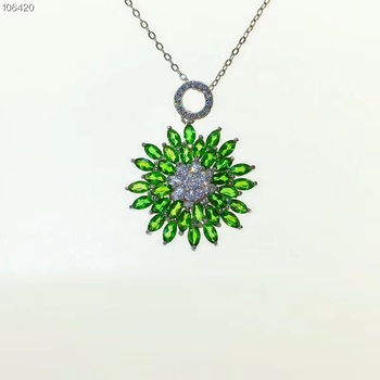 splendid clear green diopside gemstone  pendant for necklace with silver