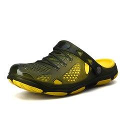 2019 Crocks Sapatos Buraco Homens Croc Verde Jardim Tamancos De Borracha Para Homens Casuais Masculino Sandálias Escorregas de Verão Crocse Natação Jelly sapatos
