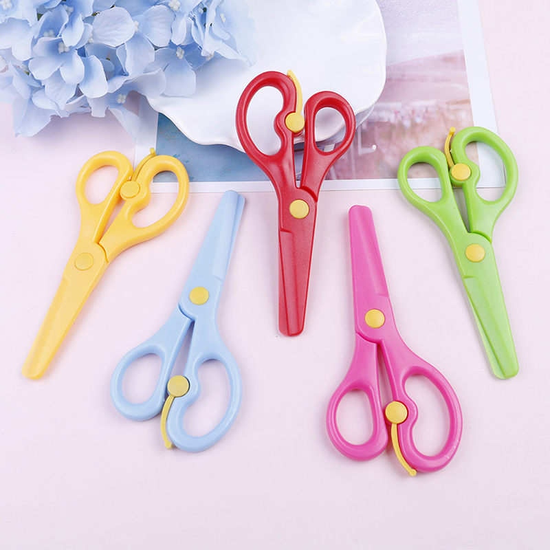 Cutting Supplies Scissors New 1 Pcs 135mm Mini Safety Round Head Plastic Scissors Student Kids Paper Cutting Minions Supplies For Kindergarten School