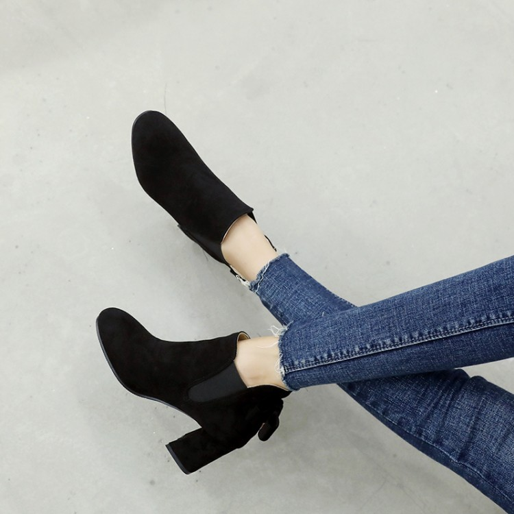 Big   Size  11 12 13 14 15    Maam Coarse heel Short boots  Pure color round head     Boot barrel  Suede high-heeled bootsBig   Size  11 12 13 14 15    Maam Coarse heel Short boots  Pure color round head     Boot barrel  Suede high-heeled boots