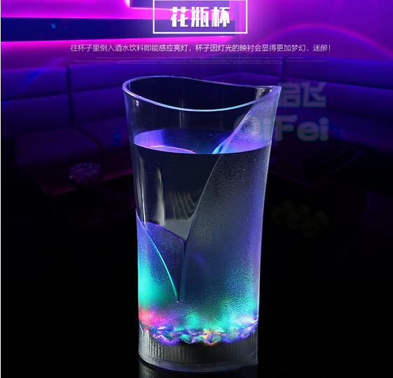 New Hot Design LED Glowing Glass Cup Popular Mug Water Inductive Glowing Cola Wine Beer Glass Bar Party Beverage Night Drink Cup