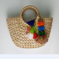 2017 Nueva 37 cm ancho Tallo de Maíz bolsa de Paja Tejida Playa Femenino de Verano decorada con tela bola y Borla A2892