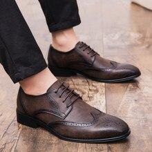 9158a252a1 Sapatas de Vestido do homem Grande Tamanho 38-47 Sapatos Brogue Homens  Primavera Outono Calçado Clássico Sapatos Masculinos Marr.