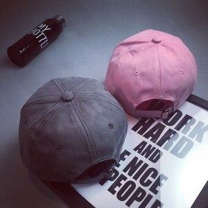Großhandel Sommer Hysteresenkappe Frauen 2016 Mode Marke Knochen Hip Hop kappen Männer Casquette Wildleder Hüte Schwarz Rosa M logo Baseballkappe