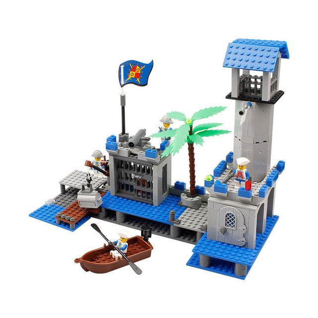 Learning Education Building Blocks Toys Kazi DIY Bricks Pirates king Castle Navy Headquarters Model For Children