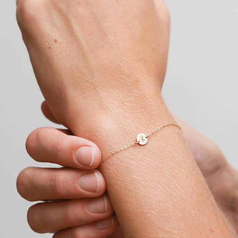 ผู้หญิงสาว A-Z 26 ตัวอักษรสีทองสร้อยข้อมือสร้อยข้อมือและกำไลข้อมือสายรัดข้อมือบุคลิกภาพเครื่องประดับของขวัญ