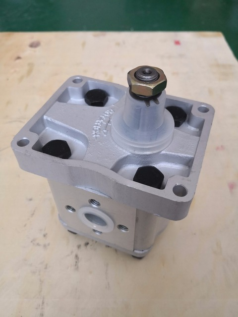 US $45 0  New Holland FIAT Tractor Main Hydraulic Gear Pump 5129493  (C42)-in Tool Parts from Tools on Aliexpress com   Alibaba Group
