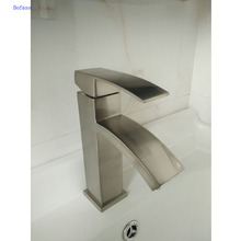 Dofaso China Basin Faucets Single Handle Hot and Cold Mixer Bathroom Tap Sink Chrome Finish bathroom bath faucet