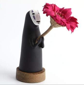 Фигурка Безликий с цветком Унесенные призраками 13 см