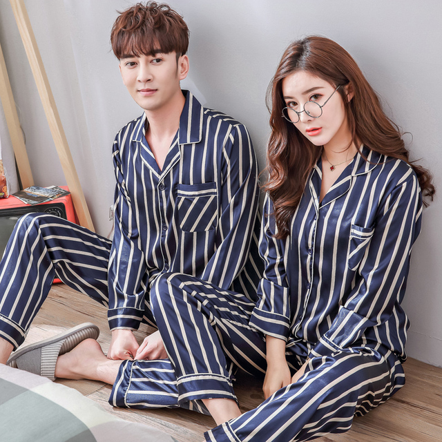 ccdec22b3274 Männer Rayon Pyjama-sets Paare Seide wie Gestreiften Pyjamas Frauen 2018  Frühling Neue weiche Nachtwäsche