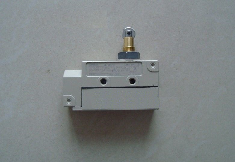ZE-Q-2S OMRON Enclosed Limit Switch