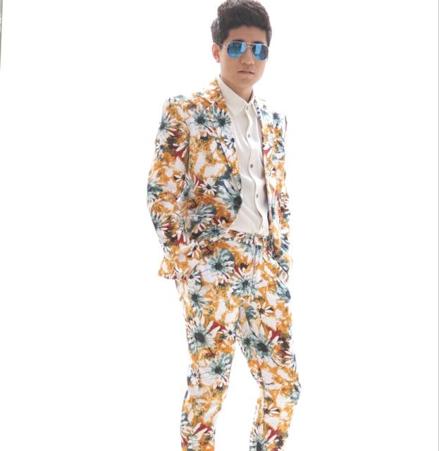 Большой размер мода свободного покроя мужчины цветочный печать тонкий костюмы set куртка блейзер брюки певец сценические костюмы пиджаки комплект одежды