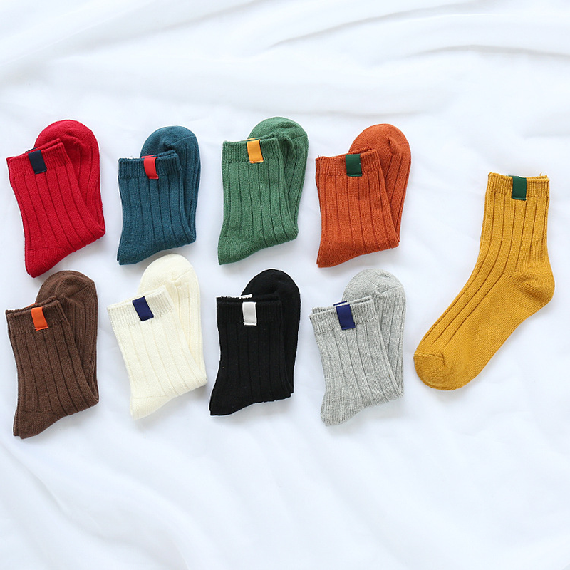 Nova moda Retro Harajuku Meias Tripulação Solto Pano etiqueta Da Menina Das Mulheres Clássico Inverno Pure Color Em Tubo vestido Branco Coreano sokken