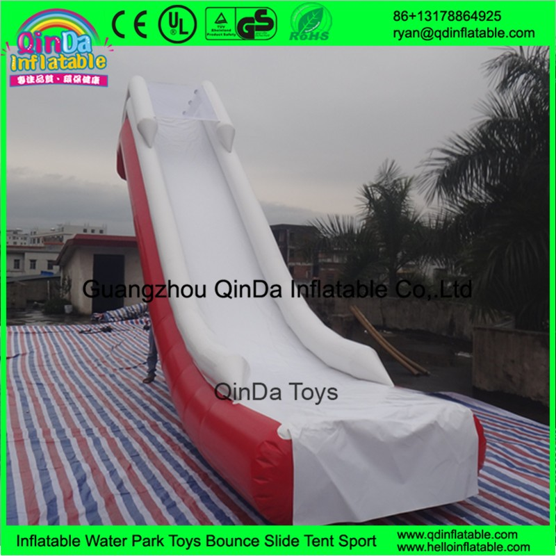 1 inflatable yacht water slide02