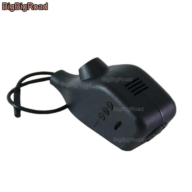 цена на BigBigRoad For Volkswagen cross polo lavida / Touran / tiguan / passat / Bora / Jetta Car wifi DVR Video Recorder dash cam