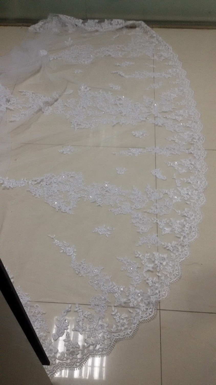 4 Meters WhiteIvory Beautiful Cathedral Length Lace Edge Wedding Bridal Veils With Comb Long Bridal Veil Voile Mariage 2015 (2)
