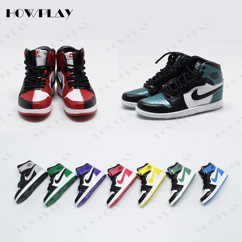 online retailer 42b77 ea5d1 HowPlay 3D mini sneakers keychains bag charms air jordan keyring backpack  pendant creative gift crafts AJ1