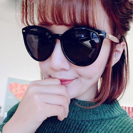 uv protection and polarized sunglasses  Aliexpress.com : Buy new fashion 2015 retro rivet eyewear Black ...